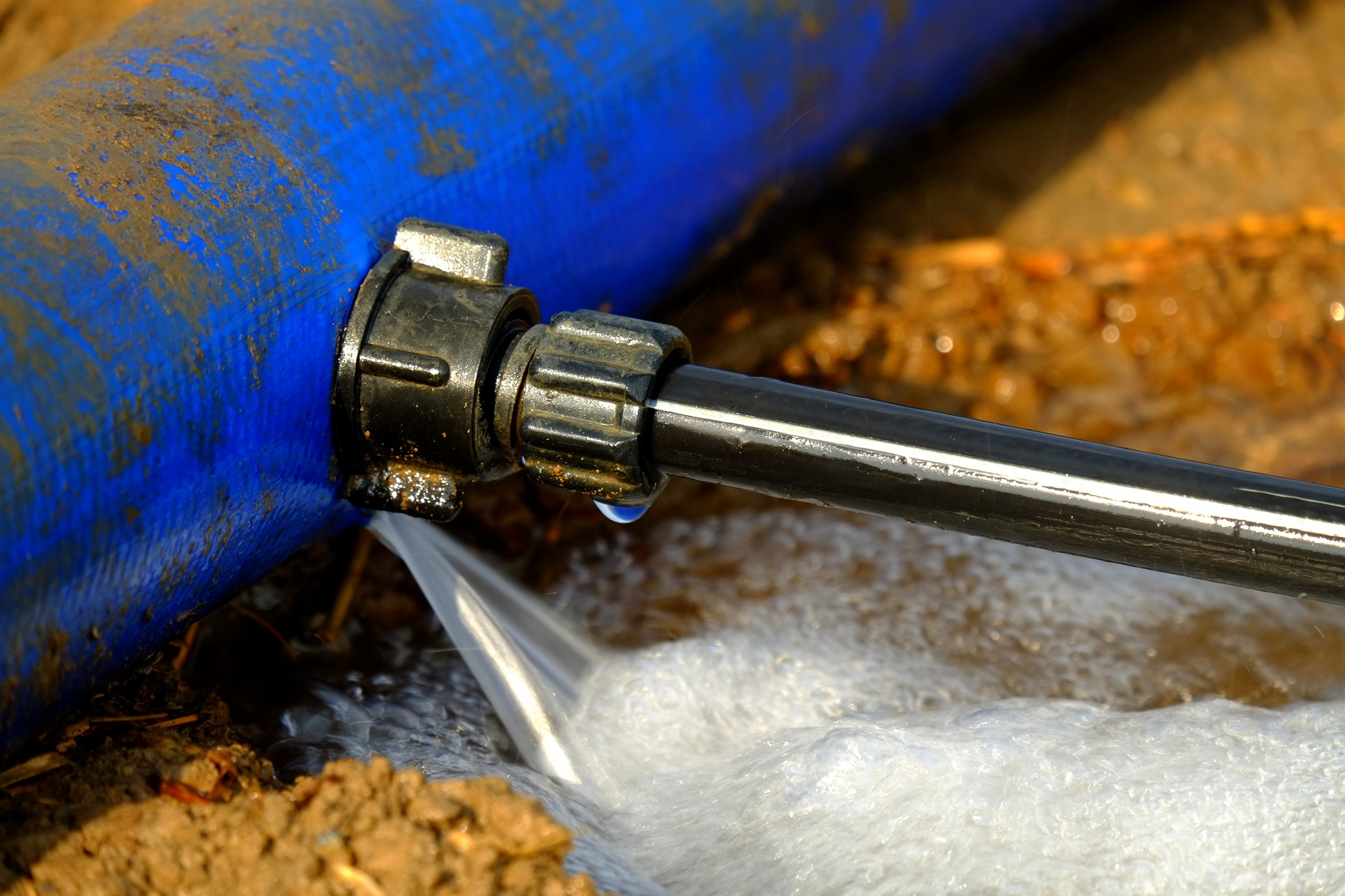 water-pipe-880975_1920